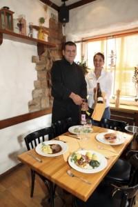 """Mare und Ivica Skopljanac betreiben gemeinsam ihr Restaurant """"Ivica"""" in der Saarbrücker Altneugasse."""